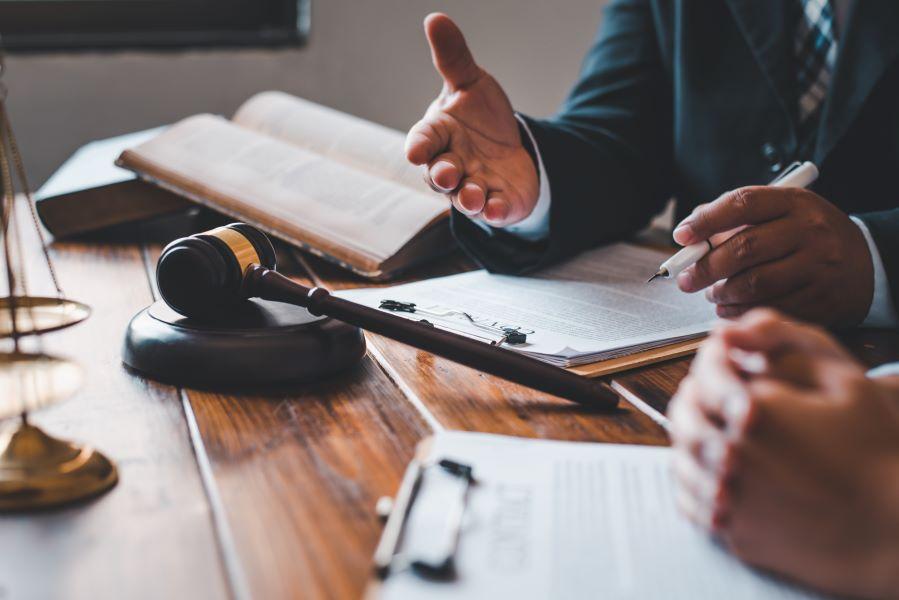 """""""Κόφτης"""" αριθμού σελίδων στα δικόγραφα του ΣτΕ – Ακόμα και χρηματική ποινή στον δικηγόρο προβλέπει διάταξη νόμου"""