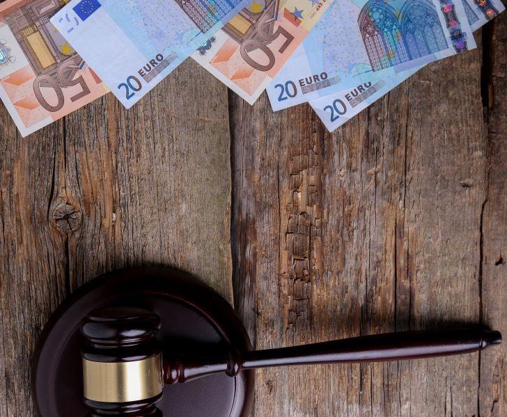 Ειρηνοδικείο Αθηνών: Δικαστική δικαίωση για υπερχρεωμένα νοικοκυριά