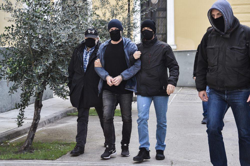 Στη… σέντρα ο Δημήτρης Λιγνάδης και για νέα καταγγελία βιασμού ανηλίκου – Ασκήθηκε τρίτη δίωξη από τις εισαγγελικές αρχές