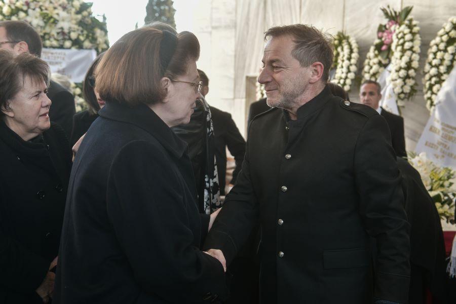 """Μενδώνη για εξελίξεις στο Εθνικό Θέατρο: """"Δεν υπάρχουν επίσημες καταγγελίες για Λιγνάδη – Καμία ανοχή εφόσον υπάρξουν"""" – Η αντίδραση του ΣΥΡΙΖΑ – ΒΙΝΤΕΟ"""