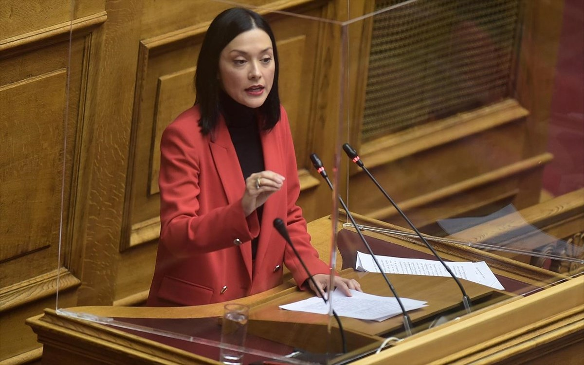 """Νάντια Γιαννακοπούλου: Η κυβέρνηση να αποσύρει άμεσα τον """"κόφτη"""" στην έκταση των δικογράφων ενώπιον του ΣτΕ"""