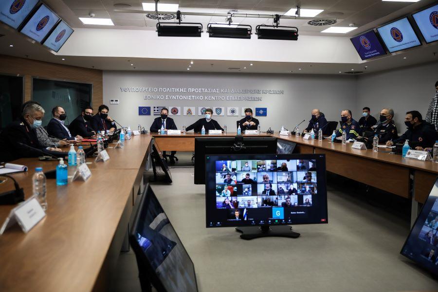 """Ολοκληρώθηκε η έκτακτη σύσκεψη στην Πολιτική Προστασία υπό τους Χρυσοχοΐδη και Χαρδαλιά για την κακοκαιρία """"Μήδεια"""" – Τι αποφασίστηκε – BINTEO"""