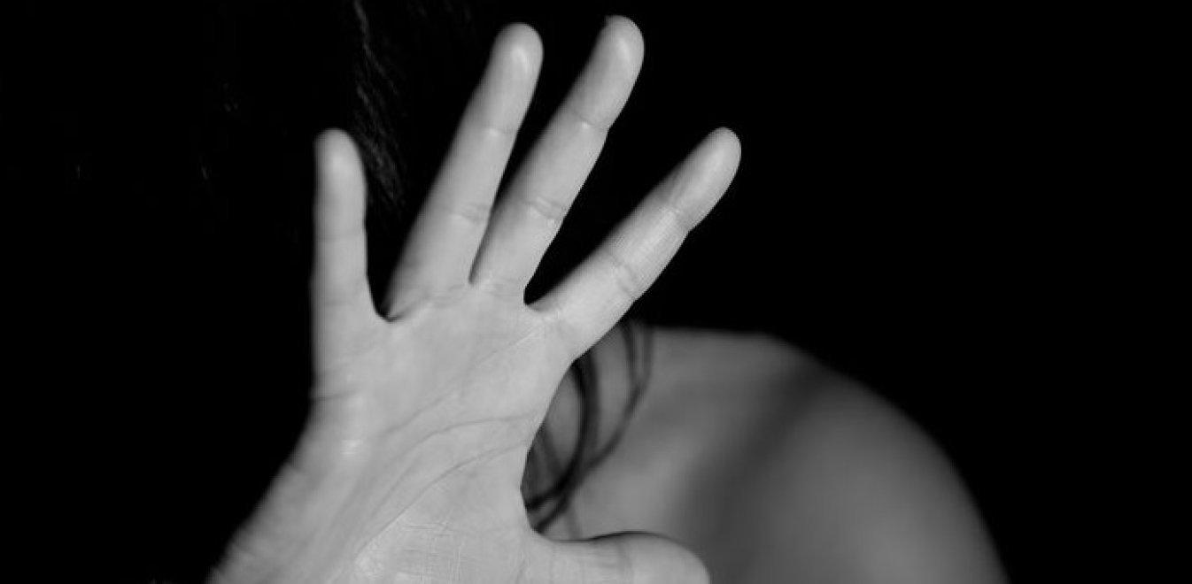 """Θεσσαλονίκη: Δίωξη για βιασμό κατά συρροή στον 38χρονο που παρίστανε τον αστυνομικό – """"Βίος και πολιτεία"""" το ποινικό παρελθόν του"""