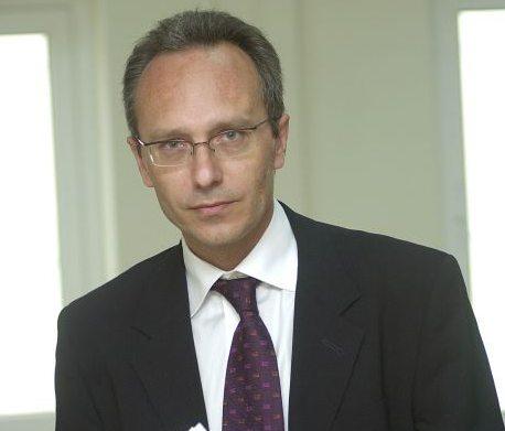 """Γιάννης Βλάχος-δικηγόρος θύματος στην """"υπόθεση Λιγνάδη"""": Μεθοδευμένη η προσέγγιση σε ανήλικα αγόρια – Τι απαντά στον ισχυρισμό Κούγια ότι """"στόχος είναι η Μενδώνη και η κυβέρνηση"""" – ΒΙΝΤΕΟ"""