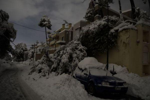 Χωρίς ρεύμα παραμένουν πάνω από 30.000 σπίτια στην Αττική – Πού υπάρχουν προβλήματα