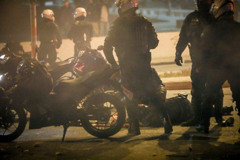 """Νέα Σμύρνη -Σοκαριστικές καταθέσεις αστυνομικών : «Βγάλανε το κράνος ώστε να τον χτυπήσουν στο κεφάλι και έλεγαν """"γ…… Σκοτώστε τον. Ψόφα κ@@@μπατσε» /ΒΙΝΤΕΟ, ΦΩΤΟ"""