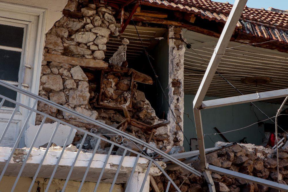 Σεισμός στην Ελασσόνα: Πέθανε ο ηλικιωμένος που είχε απεγκλωβιστεί από το Μεσοχώρι μετά την δόνηση των 6,3 Ρίχτερ – BINTEO