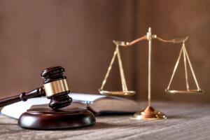 Μειοψηφία ΔΣ Ένωσης Δικαστών - Εισαγγελέων κατά ΚΚΕ-ΜέΡΑ25