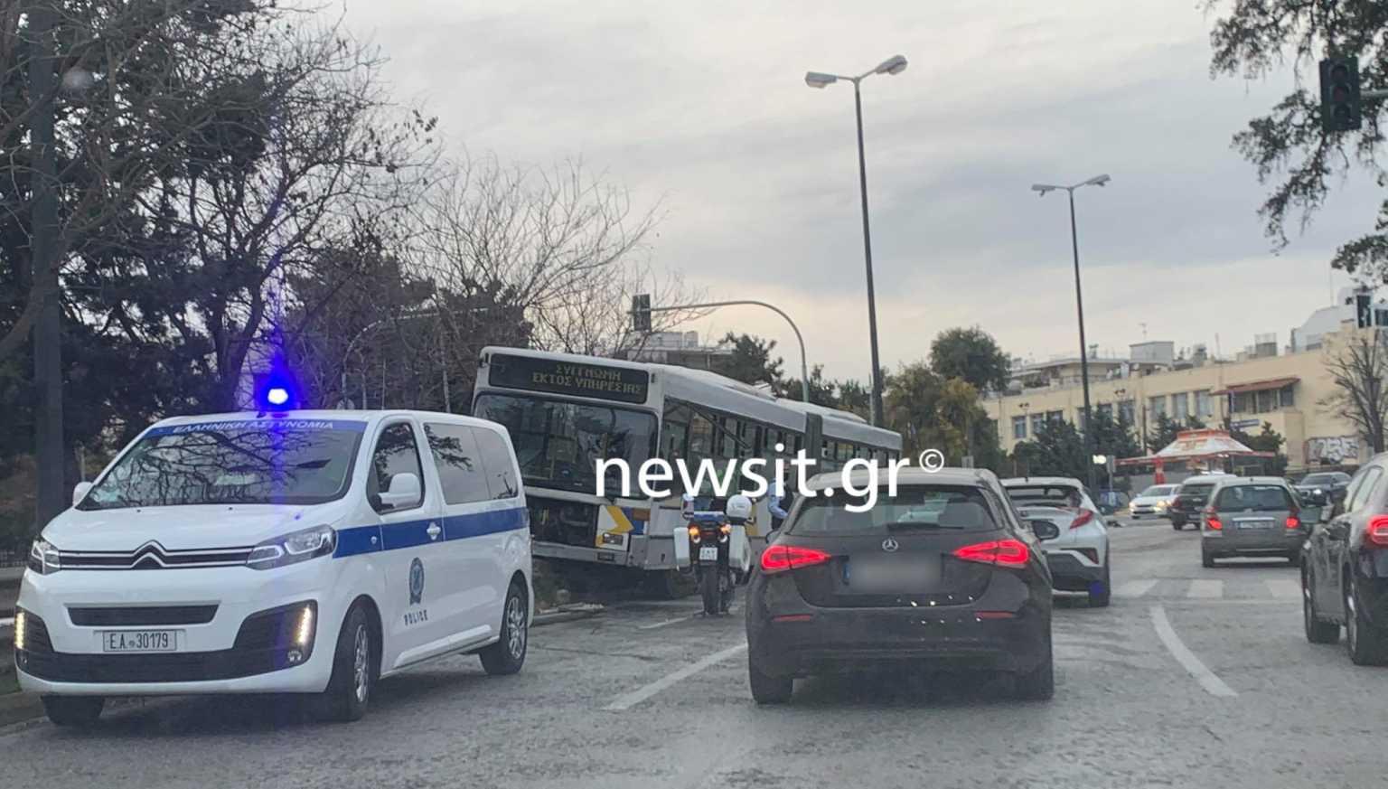 Χαμός στην Κηφισίας: Οδηγός λεωφορείου μπήκε στο αντίθετο ρεύμα /ΒΙΝΤΕΟ