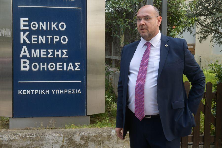 Παπαευσταθίου-Πρόεδρος ΕΚΑΒ: Τουλάχιστον 62 ασθενείς με κορονοϊό είναι σε λίστα αναμονής για ΜΕΘ – ΒΙΝΤΕΟ