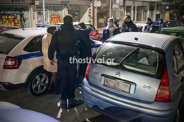 Χαμός σε κορονό-πάρτι στη Θεσσαλονίκη με Γάλλους φοιτητές μετά την έφοδο της αστυνομίας – Κρύφτηκαν στις ντουλάπες – ΒΙΝΤΕΟ – ΦΩΤΟ