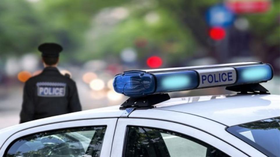 Θεσσαλονίκη: Σύλληψη πατέρα και γιου που εκβίαζαν 40χρονη και το ανήλικο παιδί της