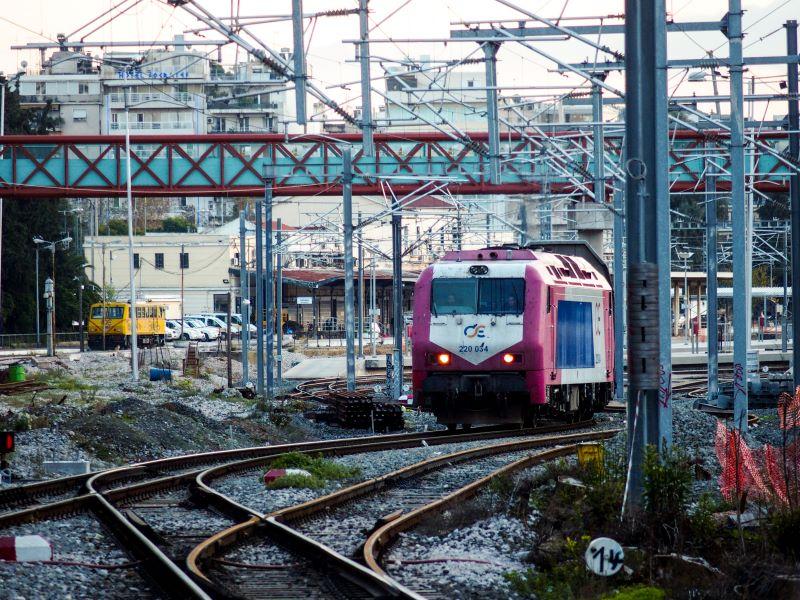 Πάτρα: Εκτροχιάστηκε τρένο στον σιδηροδρομικό σταθμό του Αγίου Ανδρέα