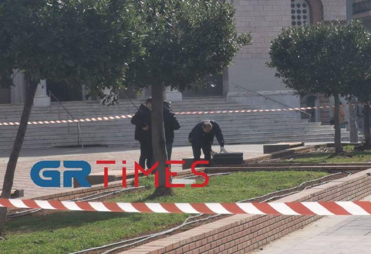 Συναγερμός στην ΕΛΑΣ για ύποπτη βαλίτσα στο κέντρο της Θεσσαλονίκης – ΒΙΝΤΕΟ – ΦΩΤΟ