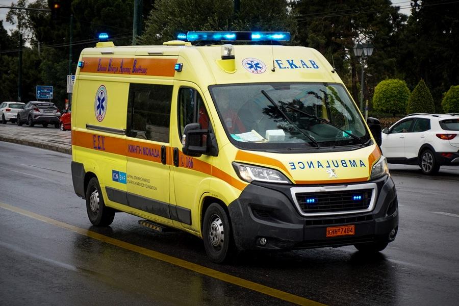 Πατήσια: Μαχαίρωσε τον αδερφό του, αυτοτραυματίστηκε και επιτέθηκε σε αστυνομικό