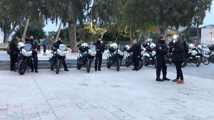 Κρήτη:  Ισχυρές δυνάμεις στην πλατεία Ελευθερίας για  προγραμματισμένο κορονοπάρτι