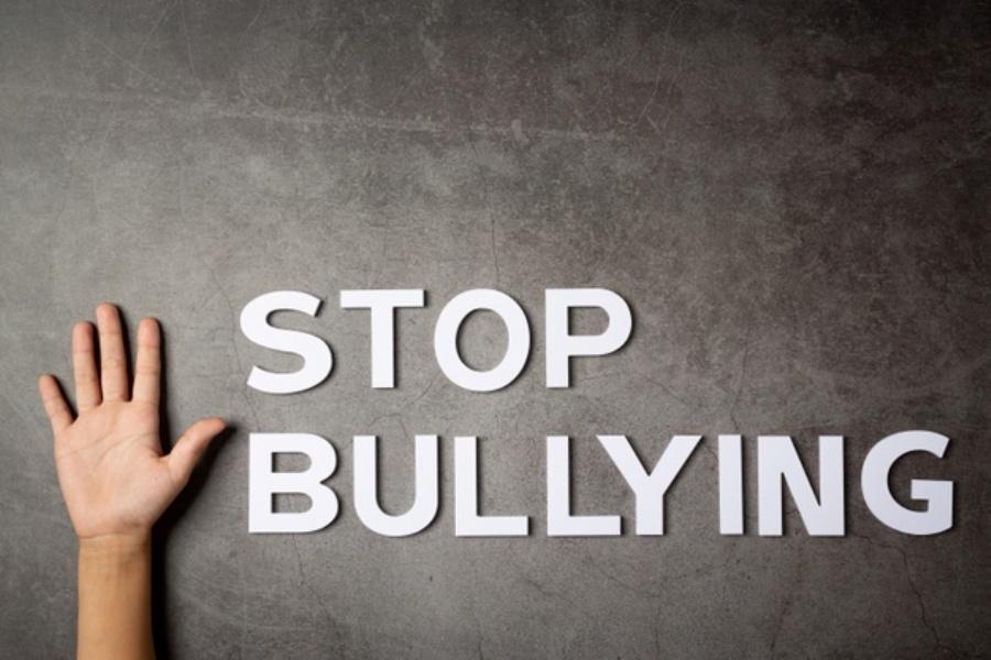 Νέο κρούσμα διαδικτυακούbullying: Καταγγελίες από την οικογένεια τριών κοριτσιών στη Ρόδο – Ασφαλιστικά μέτρα κατά του δράστη
