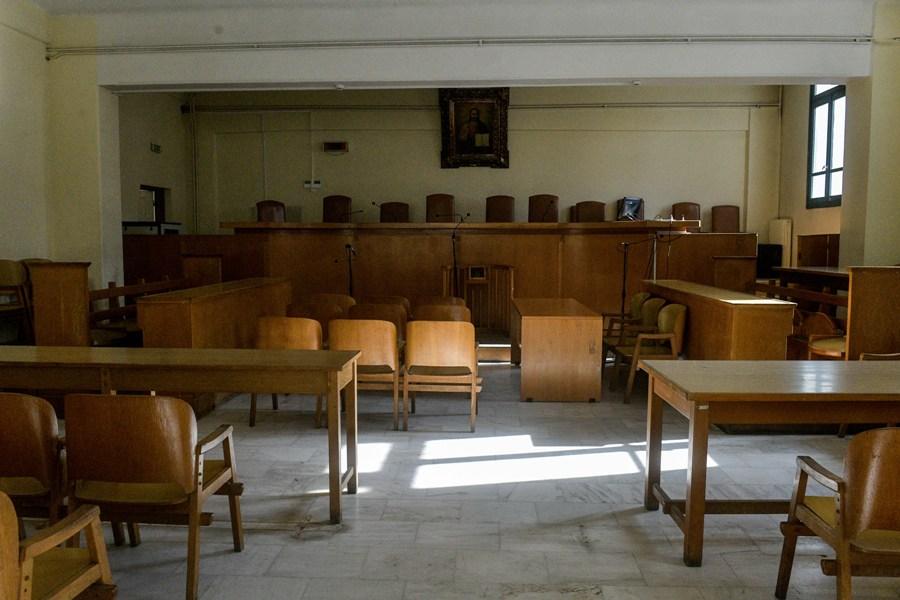 Δικαστήρια: Πλήρες άνοιγμα με πιστοποιητικά, μοριακάtestκαι σεκιούριτι