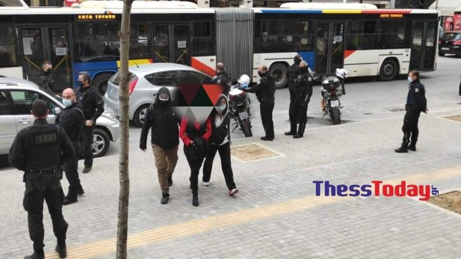 Θεσσαλονίκη: Στον εισαγγελέα η μητέρα που έστειλε το γιο της στο σχολείο χωρίς self test – ΒΙΝΤΕΟ – ΦΩΤΟ