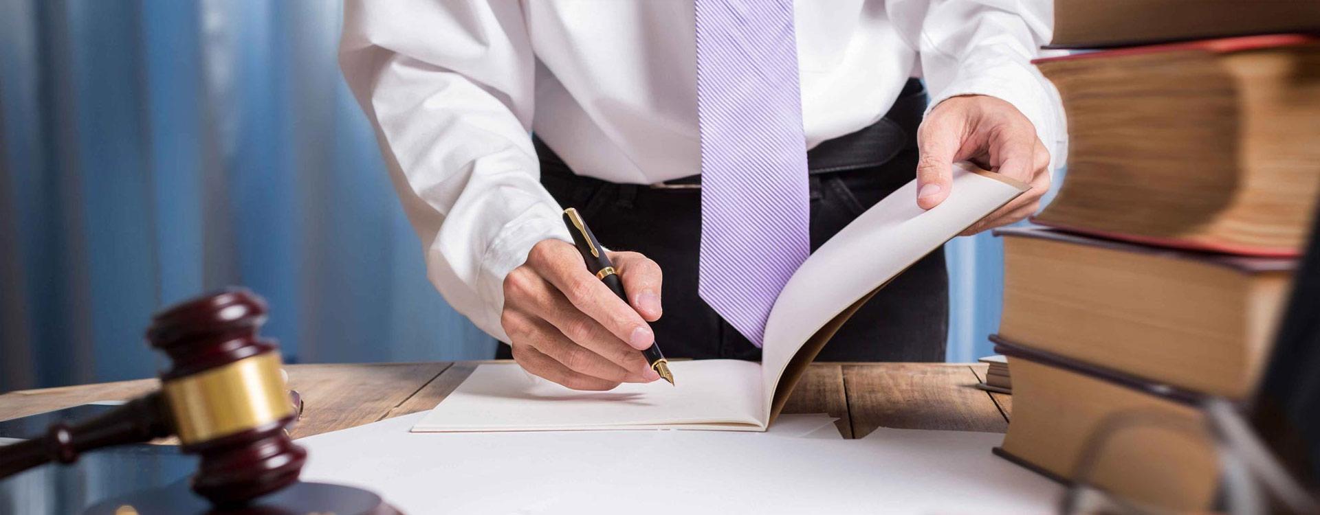 Νέα προθεσμία αιτήσεων για 2.400 υποψήφιους ασκούμενους δικηγόρους
