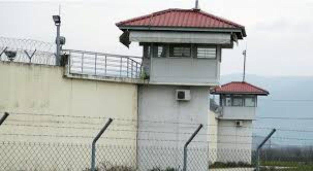 Με το «γράμμα» του νόμου η χορήγηση αδειών σε κρατούμενους – Δεν υπάρχει δυνατότητα εφαρμογής ευμενέστερων διατάξεων λέει ο Άρειος Πάγος