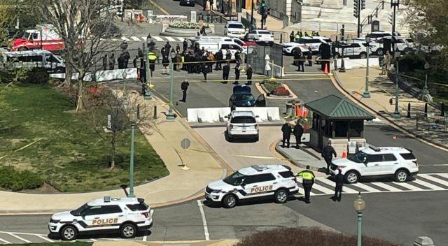 Καπιτώλιο:  Νεκρός ένας αστυνομικός και ο οδηγός του αυτοκινήτου που έπεσε πάνω στη φρουρά /BINTEO
