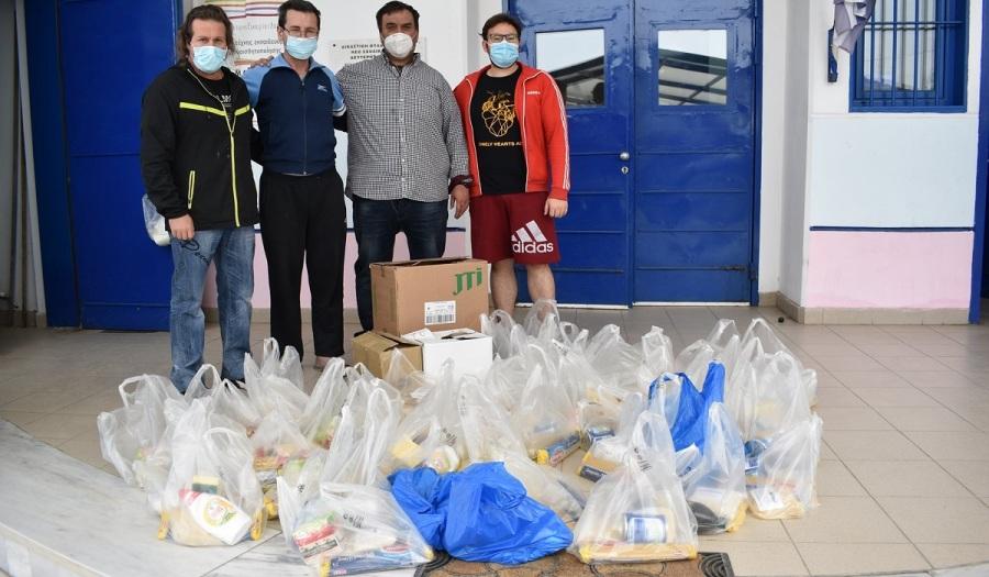 Φυλακές Λάρισας: Οι κρατούμενοι συγκέντρωσαν τρόφιμα για τους σεισμόπληκτους και συγκίνησαν τους Λαρισινούς