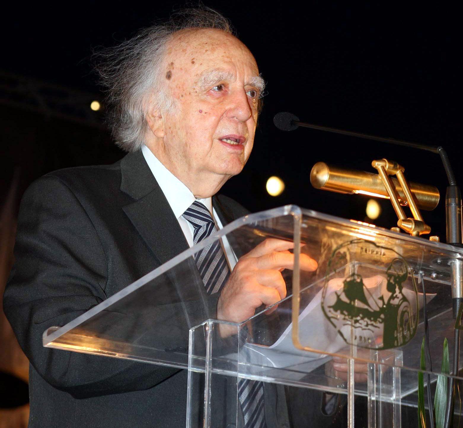 """Κύπρος: Απεβίωσε ο """"γιατρός"""" Βάσος Λυσσαρίδης – Ήταν 101 ετών"""