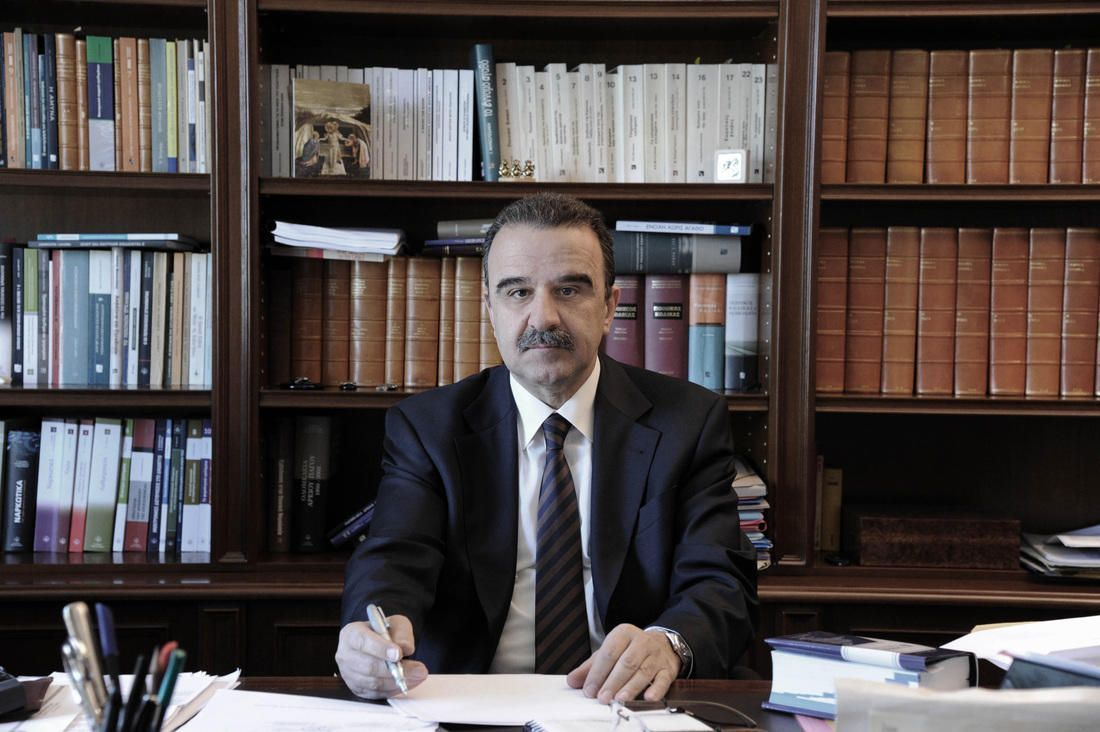 Γιάννης Μαντζουράνης : Ακαταδίωκτοι, διώκτες, και διωκόμενοι