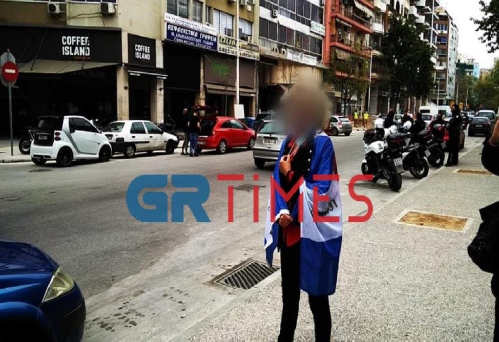 Θεσσαλονίκη: Αναβλήθηκε η δίκη της μητέρας που έστειλε τον γιο της στο σχολείο χωρίς self test /ΒΙΝΤΕΟ