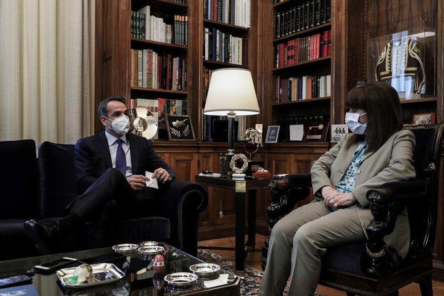 Συνάντηση Σακελλαροπούλου – Μητσοτάκη στο Προεδρικό – Τί συζητήθηκε – ΒΙΝΤΕΟ – ΦΩΤΟ