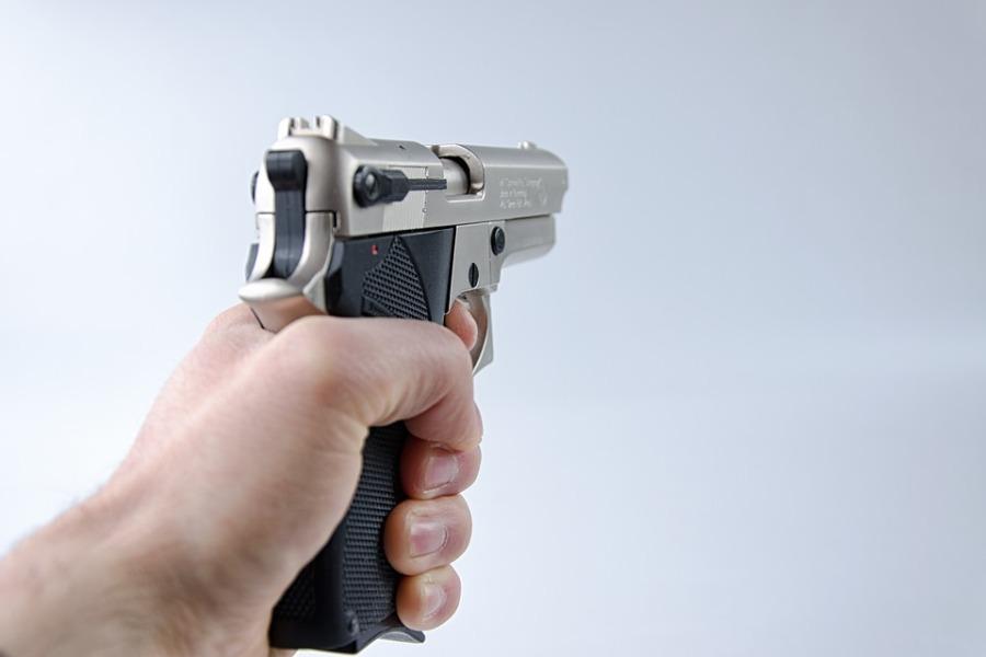 Ποινική δίωξη στον 47χρονο που πυροβόλησε τον αδελφό του στην Κηφισιά