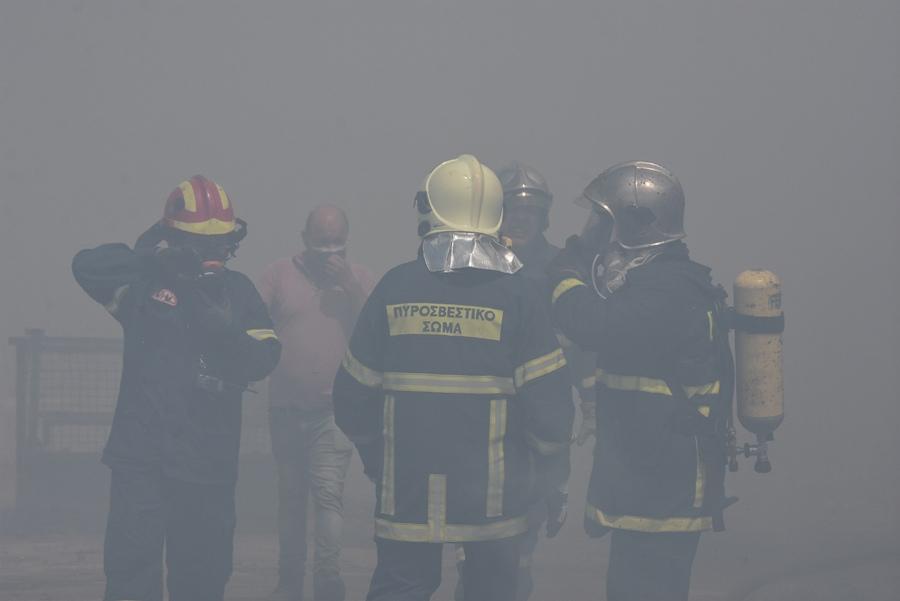 Μεγάλη φωτιά στον Βαρνάβα Αττικής – Ισχυρή δύναμη της Πυροσβεστικής – ΒΙΝΤΕΟ