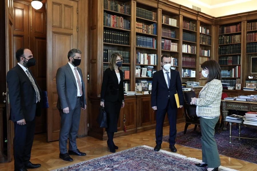 Συνάντηση Σακελλαροπούλου με το Δ.Σ. της Ένωσης Δικαστών και Εισαγγελέων – ΦΩΤΟ