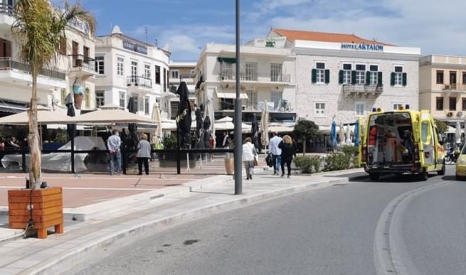Σύρος: Μαχαίρωσαν και τραυμάτισαν σοβαρά άνδρα στο κέντρο του νησιού /ΒΙΝΤΕΟ