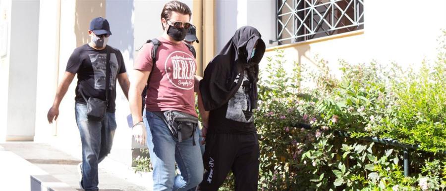 """Απολογείται ο 36χρονος Γεωργιανός: """"Αφήστε με να το σκεφτώ…"""" απάντησε για τη δολοφονία της Καρολάϊν"""