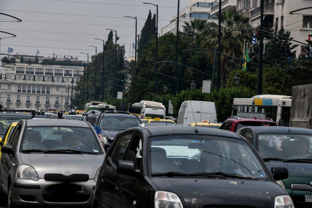 «Πράσινο φως» για τη μεταβίβαση οχημάτων μετά την απόφαση για αυτοδίκαιη άρση παρακράτησης κυριότητας από τους πωλητές