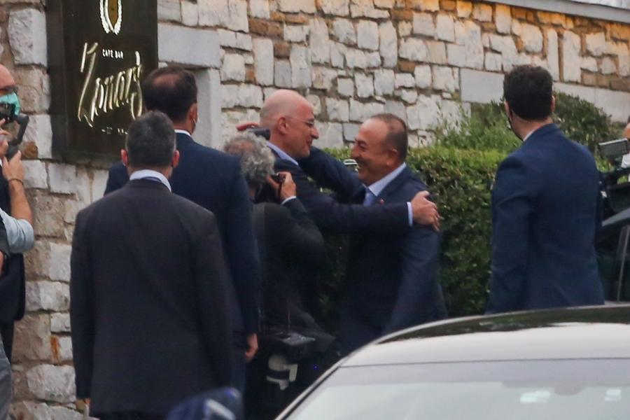 Επίσκεψη Τσαβούσογλου: Συνάντηση με Μητσοτάκη και Δένδια σήμερα – Τί έγινε στο ανεπίσημο δείπνο – ΒΙΝΤΕΟ – ΦΩΤΟ