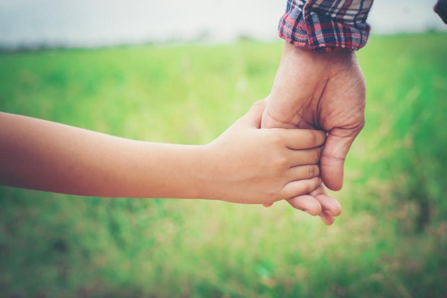 Η κραυγή αγωνίας ενός πατέρα: Δεν θέλω να ζήσω άλλο χωρίς τα παιδιά μου – Τι λέει στην επιστολή του προς τον πρωθυπουργό