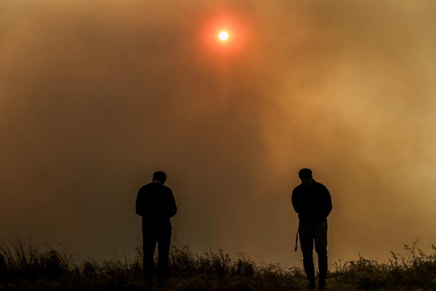 Κόρινθος: Μαίνεται για δεύτερο 24ωρο η φωτιά – Ολονύχτια μάχη με τις φλόγες – ΒΙΝΤΕΟ – ΦΩΤΟ
