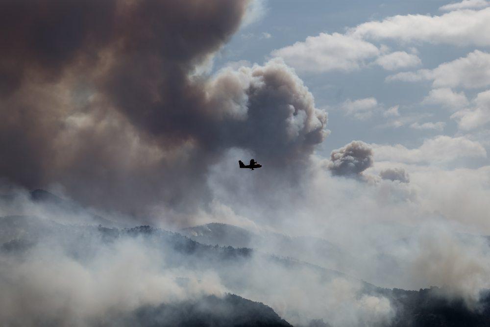 Φωτιά στον Σχίνο Κορινθίας  – Άμεση εκκένωση του οικισμού Αιγειρούσες – Ντουράκος