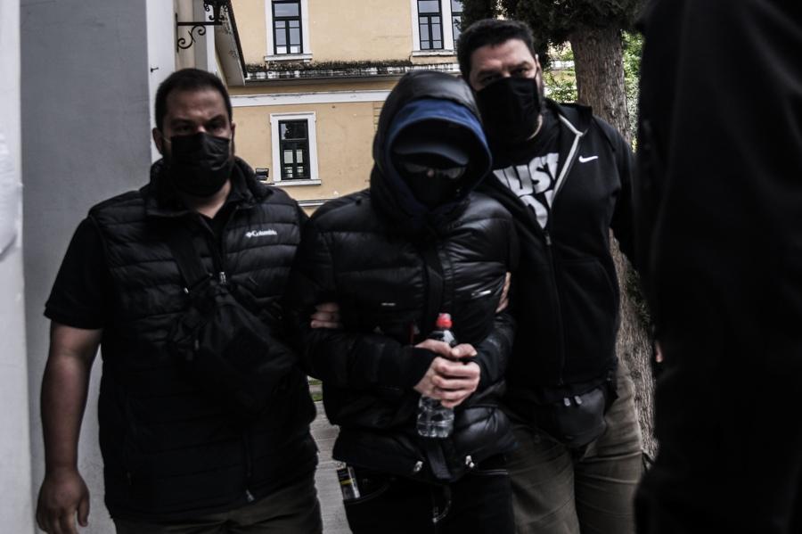 Στη φυλακή ο Μένιος Φουρθιώτης και οι δύο συγκατηγορούμενοί του