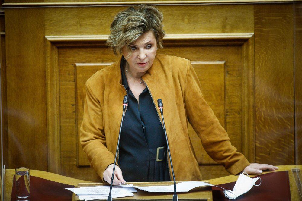Γεροβασίλη: Η Βουλή υπολειτουργεί ενώ ανοίγει οικονομία και τουρισμός