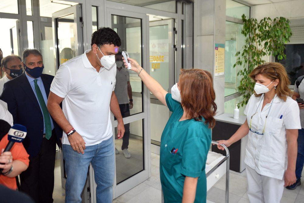 Κικίλιας: Μέσα σε μία μέρα έκλεισαν ραντεβού για εμβολιασμό περισσότεροι από 100.000 συμπολίτες μας 40-44 ετών /ΒΙΝΤΕΟ