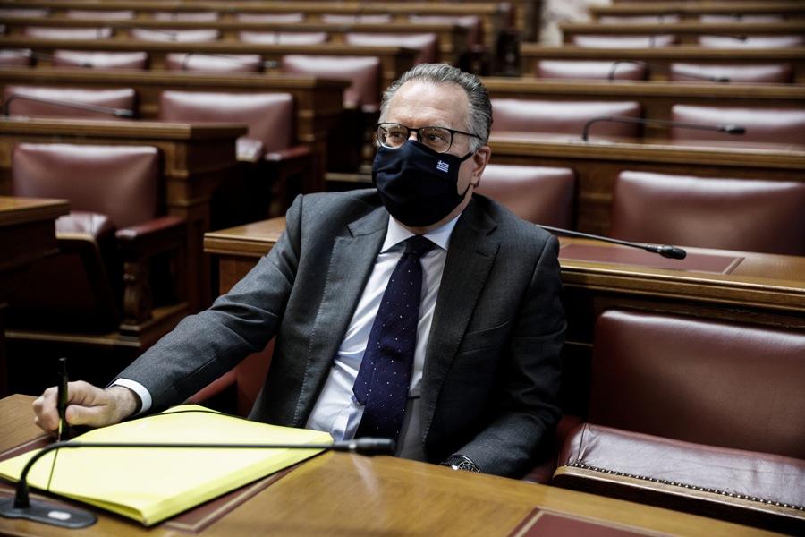 Κουμουτσάκος: Δεν γνώριζα για την πρόσληψη της πρώην γυναίκας μου στη Βουλή – ΒΙΝΤΕΟ