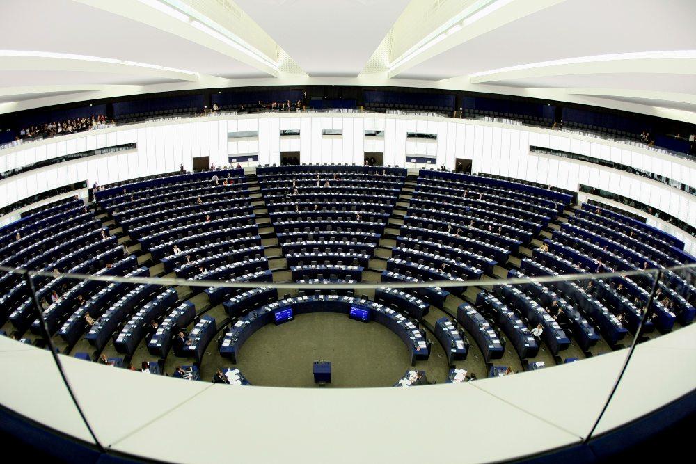 Ευρωκοινοβούλιο: Σε μία ώρα θα «κατεβαίνει» από το διαδίκτυο ό,τι θεωρείται τρομοκρατικό περιεχόμενο