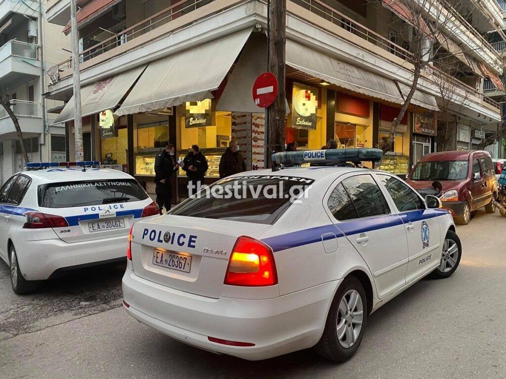 """Θεσσαλονίκη: Ομάδα ατόμων ξυλοκόπησε μοτοσικλετιστή στη μέση του δρόμου – Οπαδικά κίνητρα """"βλέπει"""" η ΕΛ.ΑΣ"""