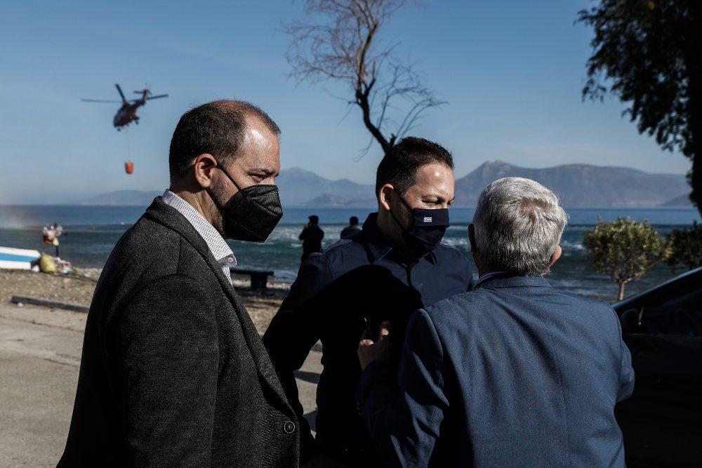 Φωτιά Γεράνεια Όρη – Πέτσας: Άμεση οικονομική στήριξη των πληγέντων με 600 ευρώ και μέχρι 6.000 ευρώ για οικοσυσκευές