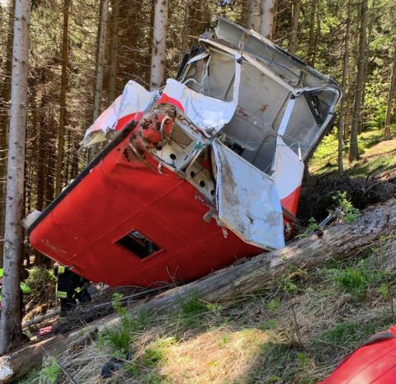 Ιταλία: 13 νεκροί από πτώση καμπίνας τελεφερίκ κοντά στη λίμνη Ματζιόρε