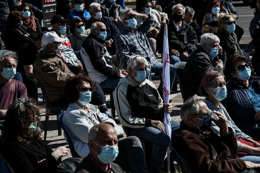 «Κλειδώνουν» τα αναδρομικά στις επικουρικές συντάξεις: Θα πρέπει να δοθούν με τόκο 6% σε περίπου 400.000 συνταξιούχους ορίζει απόφαση – βόμβα του Διοικητικού Εφετείου Αθηνών